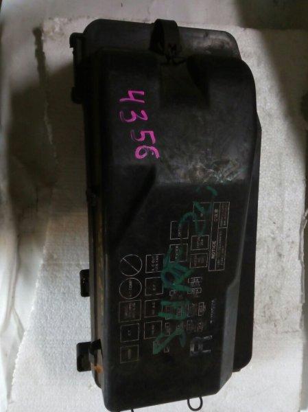 блок предохранителей TOYOTA HILUX SURF LN130G 2L-TE 1989-1995