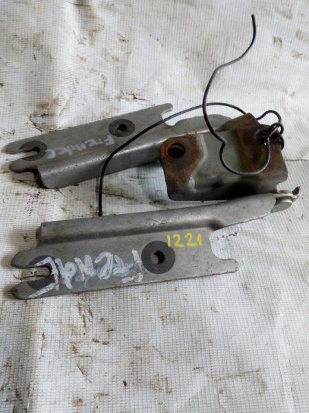 петля капота MAZDA BONGO FRIENDEE SG5W J5-D 1995-2005