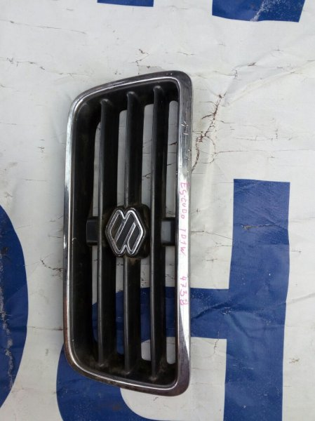 решетка радиатора SUZUKI ESCUDO TA01W GA16 1994-1997