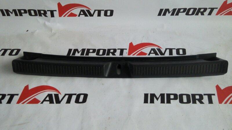 накладка петли багажника TOYOTA ALLEX NZE121 1NZ-FE 2004-2006