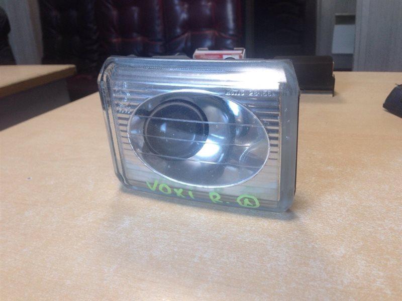 туманка TOYOTA VOXY AZR65 1AZ-FSE 2001-2004  правый