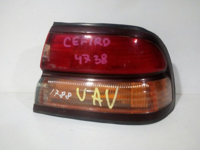 стоп-сигнал NISSAN CEFIRO A32 VQ20DE 1994-1996  правый