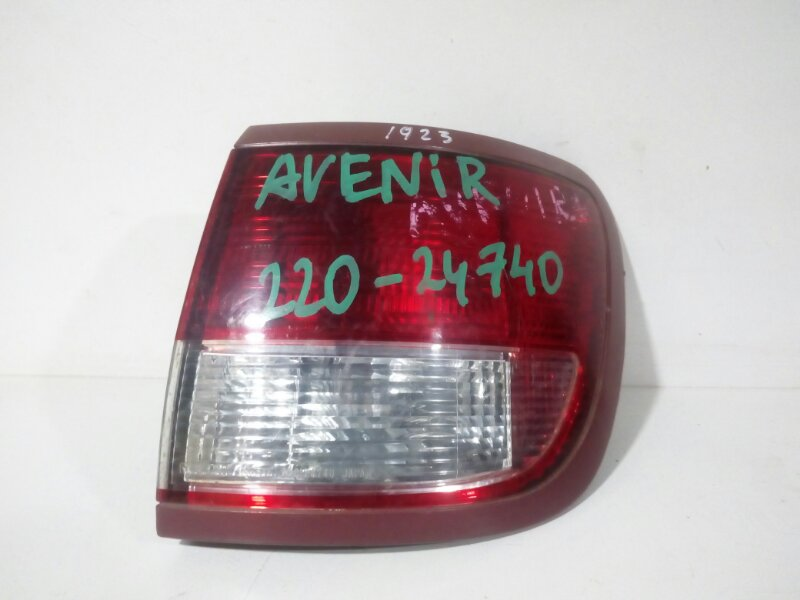 стоп-сигнал NISSAN AVENIR W11 QG18DE 1998-2005  правый