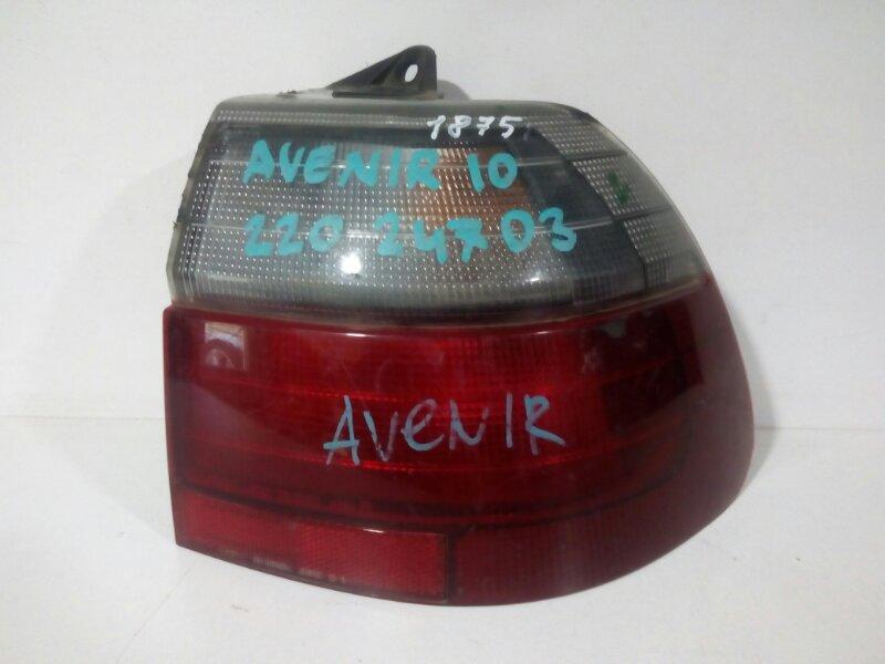 стоп-сигнал NISSAN AVENIR PW10 SR20DE 1990-1999  правый