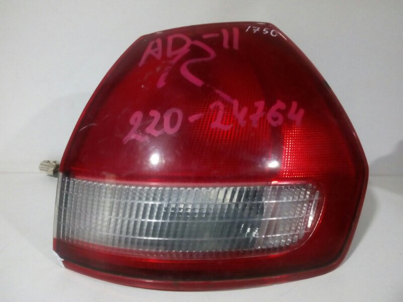 стоп-сигнал NISSAN AD VFY11 QG15DE 1999-2008  правый